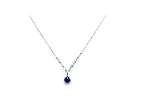 Penjoll or blanc de 750 mm amb Safir blau natural de 4 mm.