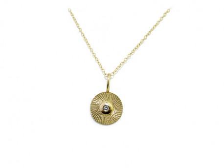 Colgante oro de 750mm, rayado mate con boca y 1 brillante de 0.02cts