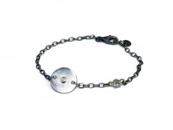 Bracelet with plate and chain in 925mm silver, oxidized and satin.