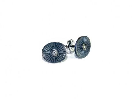 Arracades plata 925 mm en argent oxidada i setinada, amb 1 brillant natural de 0.02cts. Tancament pressió.