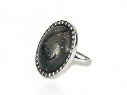 Ring unique piece